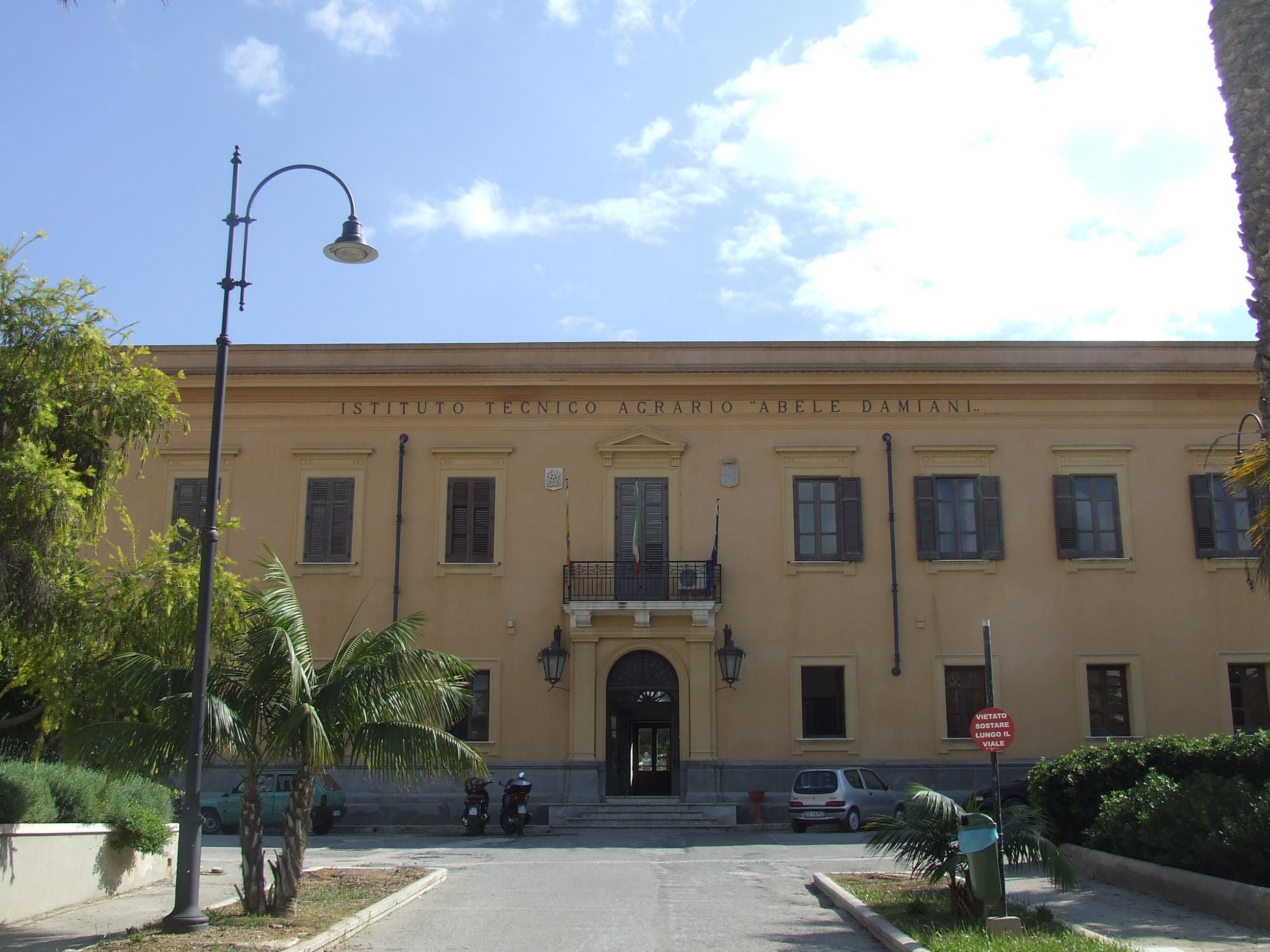 """Istituto Tecnico Agrario """"Abele Damiani"""""""