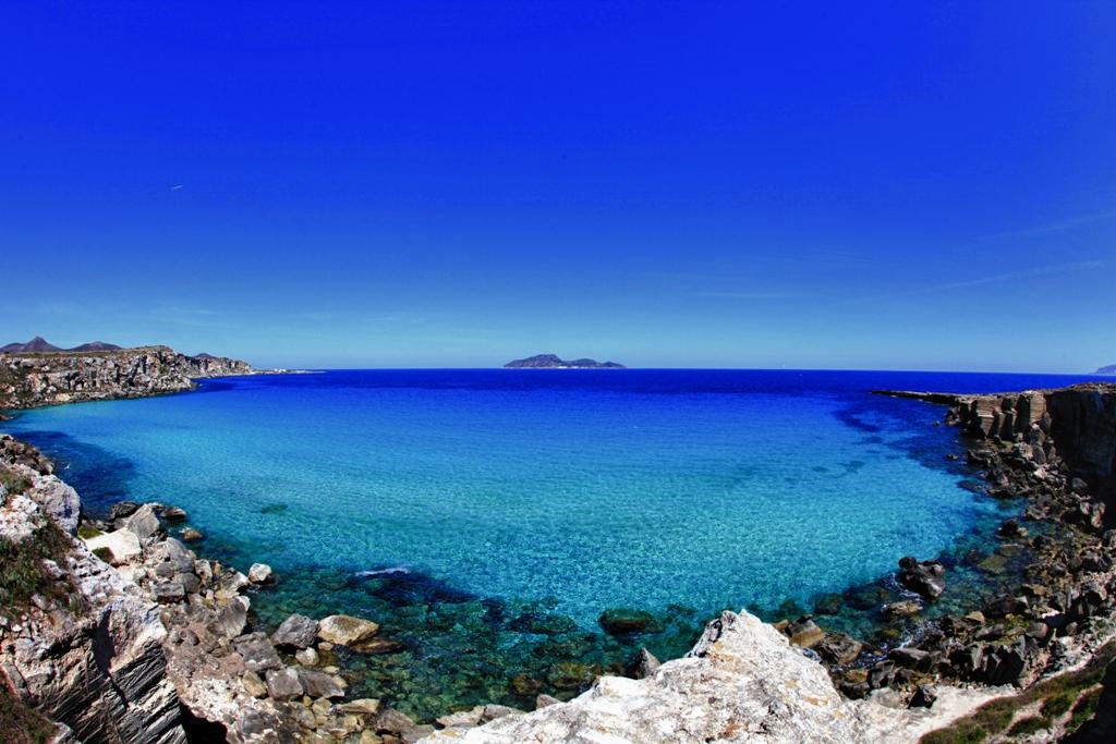 Cala rossa la spiaggia pi bella d 39 italia nella for Calla rossa