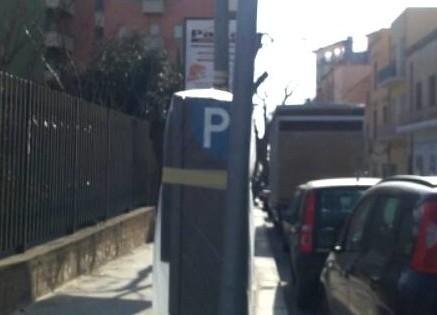 Dipingere Strisce Parcheggio : Sabaudia strisce blu a piacere del sindaco online news