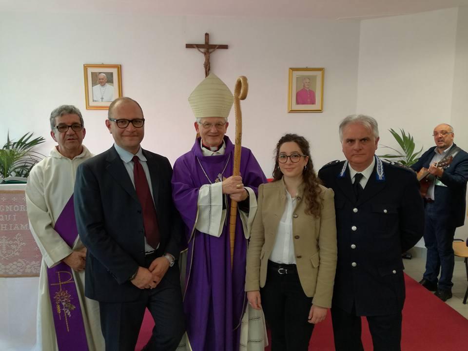 Vescovo all'inaugurazione della cappella del carcere di Trapani