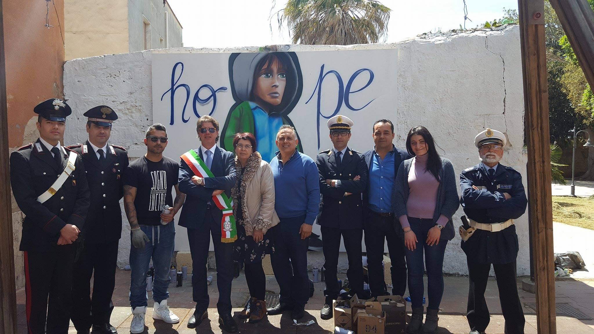 murale legalità segni urbani_sindaco Castiglione e autorità