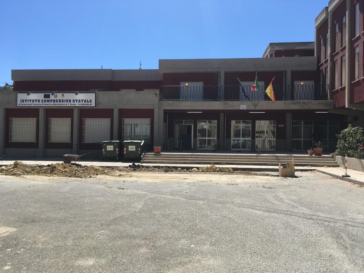 Istituto comprensivo Garibaldi-Giovanni Paolo II, sede centrale via San leonardo 2