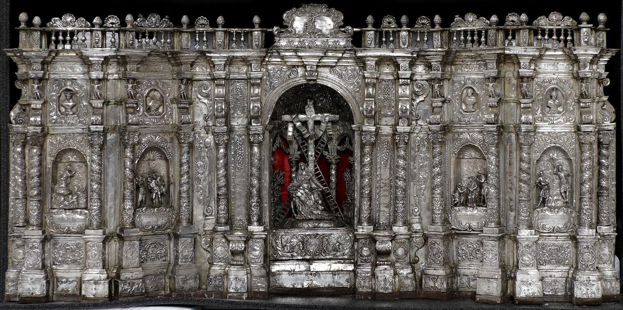 Paliotto d'argento con veduta architettonica