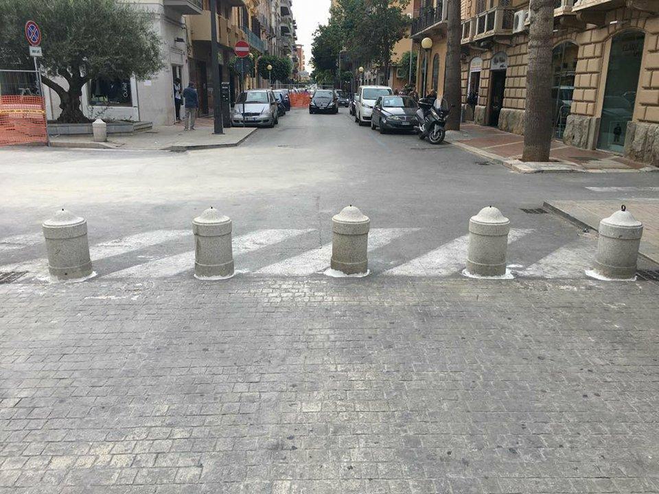 blocchi all'ingresso di Piazza Matteotti