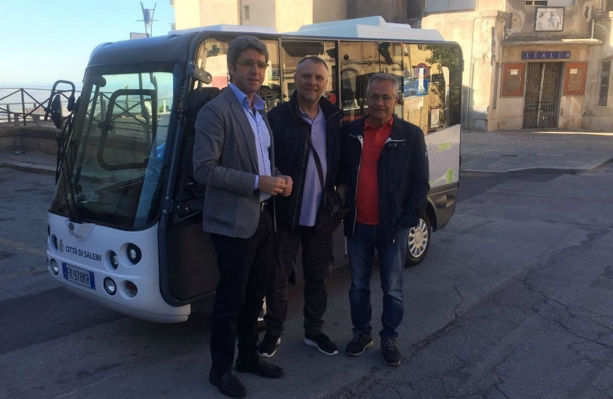 minibus 'Geco'