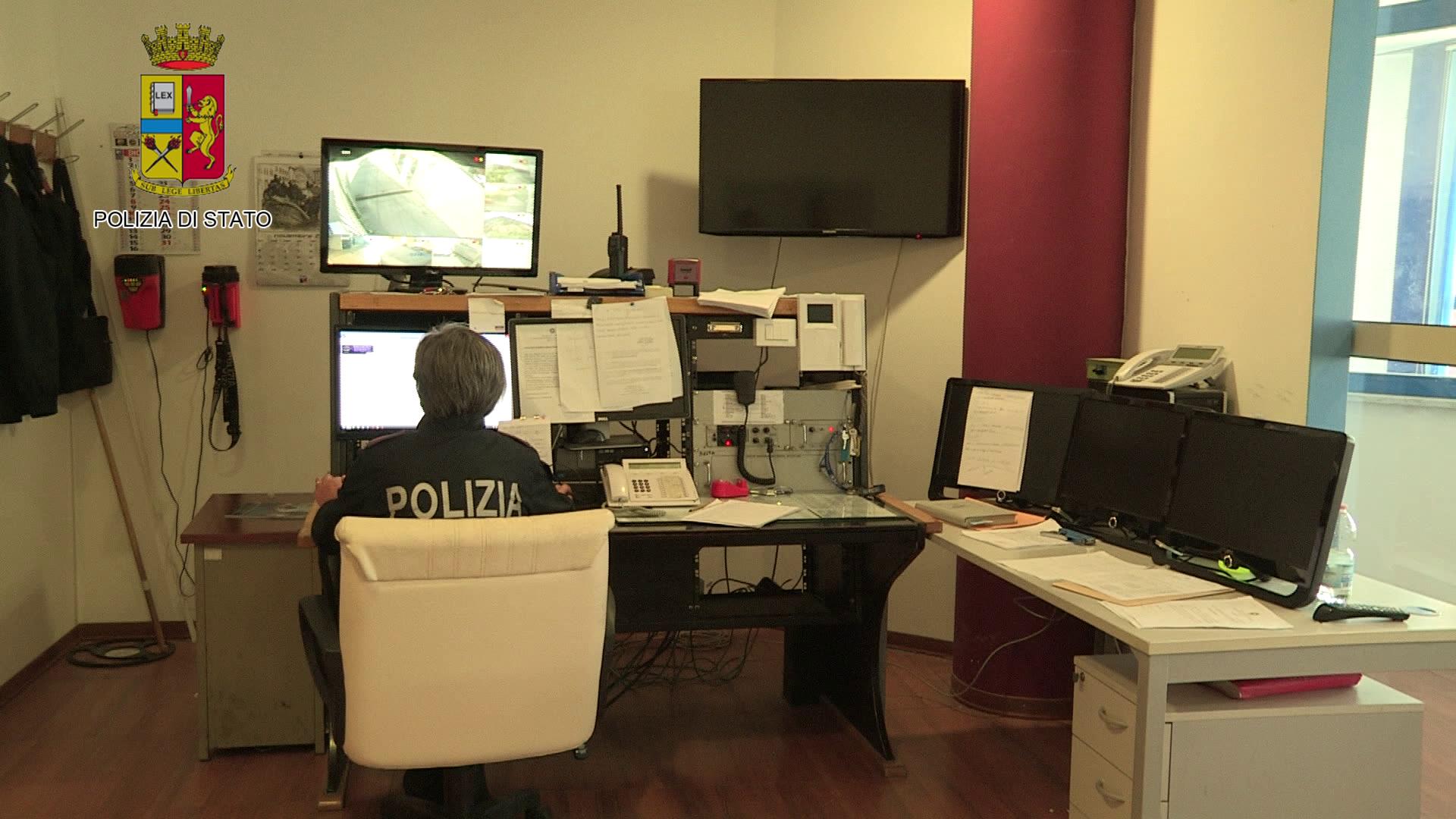 Mafia, caccia al boss Messina Denaro: indagati 30 fiancheggiatori