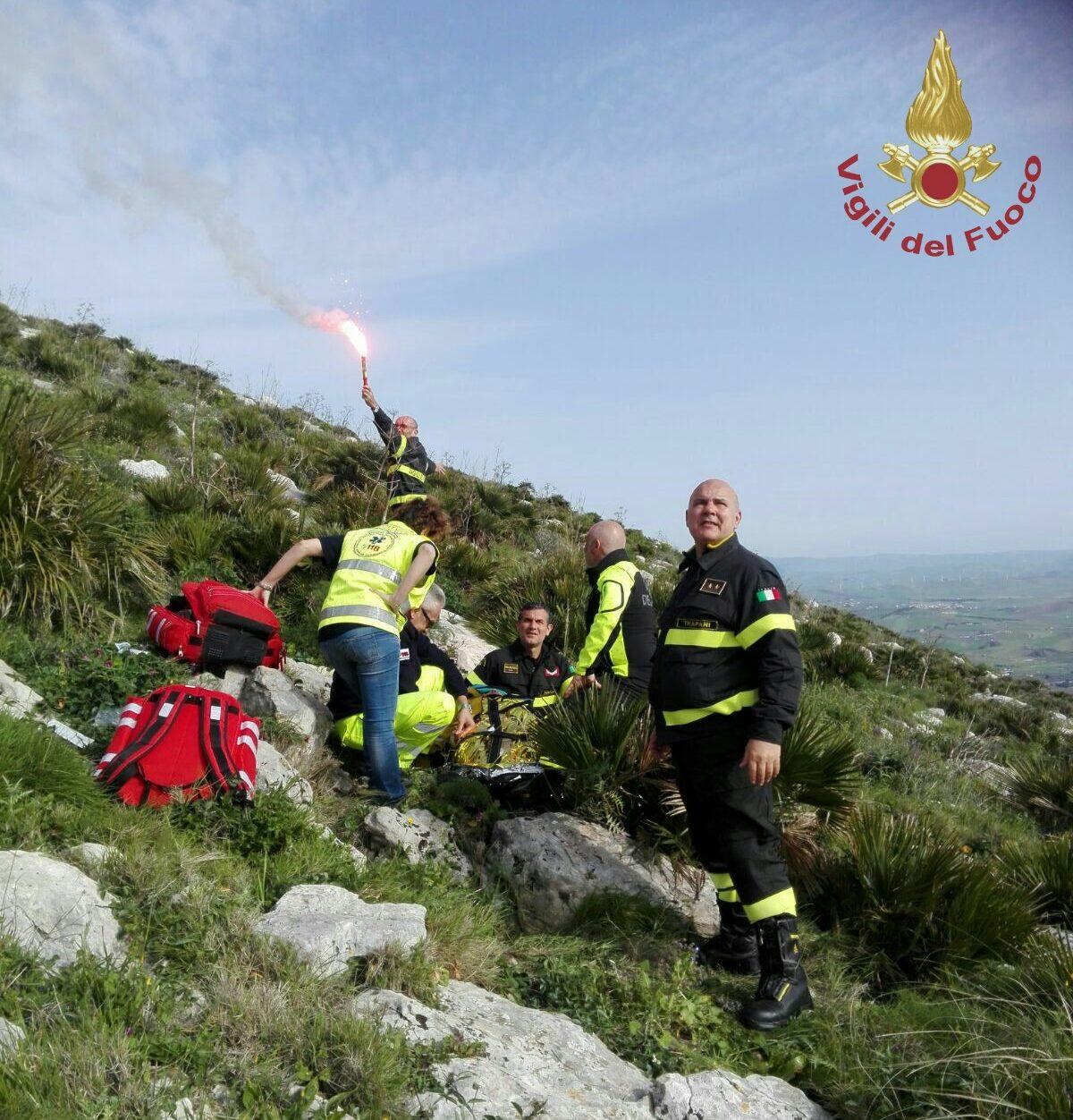 Erice, si lancia col parapendio e cade: grave turista svizzera