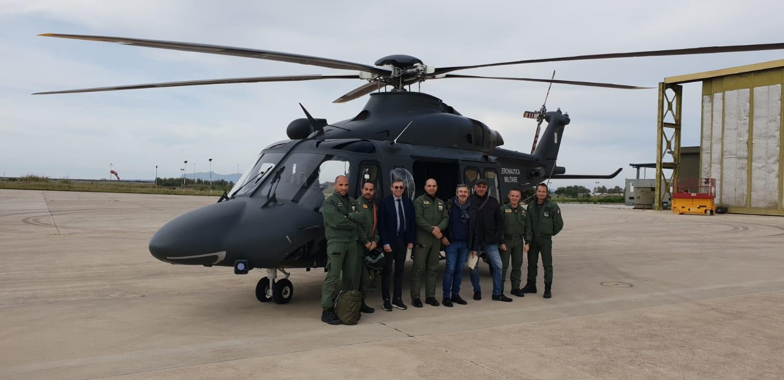 elicottero militare e sindaco di Castellammare