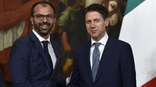 Lorenzo Fioramonti, il ministro dell'Istruzione che vuole tassare le merendine dei bambini