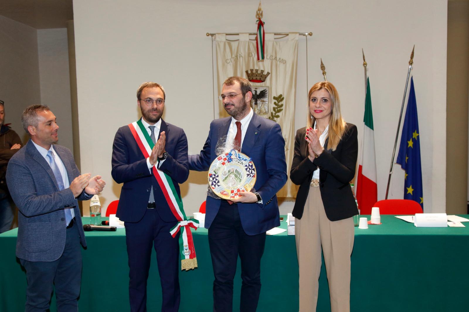 Alcamo, conferita la cittadinanza onoraria al giornalista Paolo Borrometi (VIDEO) | Itaca Notizie - Itaca Notizie